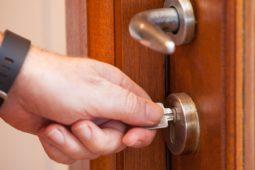 Haustürschlüssel für Briefzusteller darf Vermieter nicht verweigern