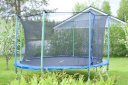 WEG – Anlage: Darf ein Trampolin im Garten stehen?