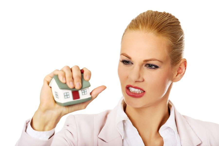 Fristlose Kündigung wegen Beschimpfung und Bespuckens des Hausmeisters der Vermieterin