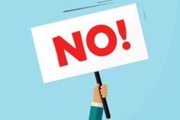 Plakatanbringung zu Protestzwecken am Balkon der Mietwohnung – Beseitigungsanspruch des Vermieters
