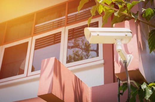 Überwachungskamera auf Privatgrundstück - Persönlichkeitsrechtsverletzung