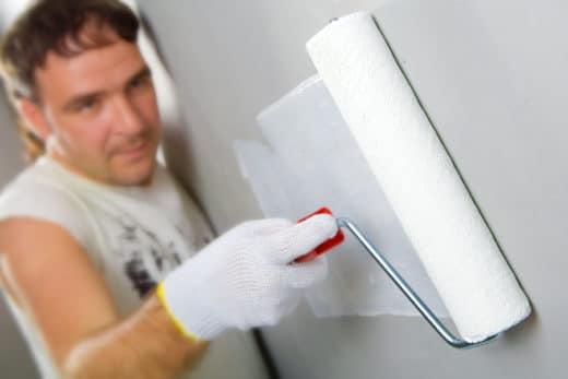 Pflicht zum Überstreichen einer ungewöhnlichen Wandfarbe