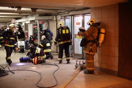 Wohnungseingangstürbeschädigung durch die vom Mieter gerufene Feuerwehr