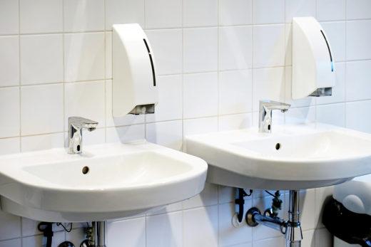Mietminderung bei Mietmängeln im Badezimmer und Fenstern