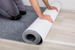 Anspruchs auf Erneuerung des Teppichbodens gegenüber dem Vermieter