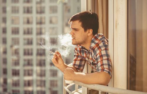 WEG - Rücksichtnahmepflichten rauchender Wohnungseigentümer