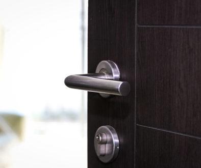 WEG-Beschlussanfechtung - Verschließen Hauseingangstür wegen Einbruchsschutz